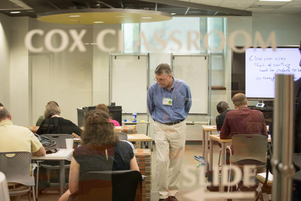 indoors, inside, people, students, camps, staff, reeder media center, swem, classrooms, cox classroom, classes, library, libraries, computers, tvs, televisions, desks, chairs, summer, kids, youth