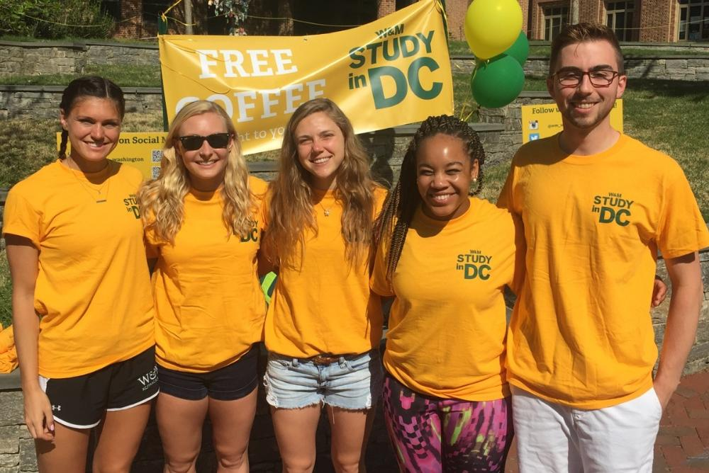 Former Study in DC students volunteering during Study in DC Day 2017!