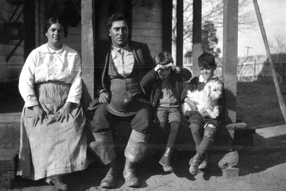 Pamunkey Family (1919), Frank Speck photograph collection, N12730, NMAI Archive Center