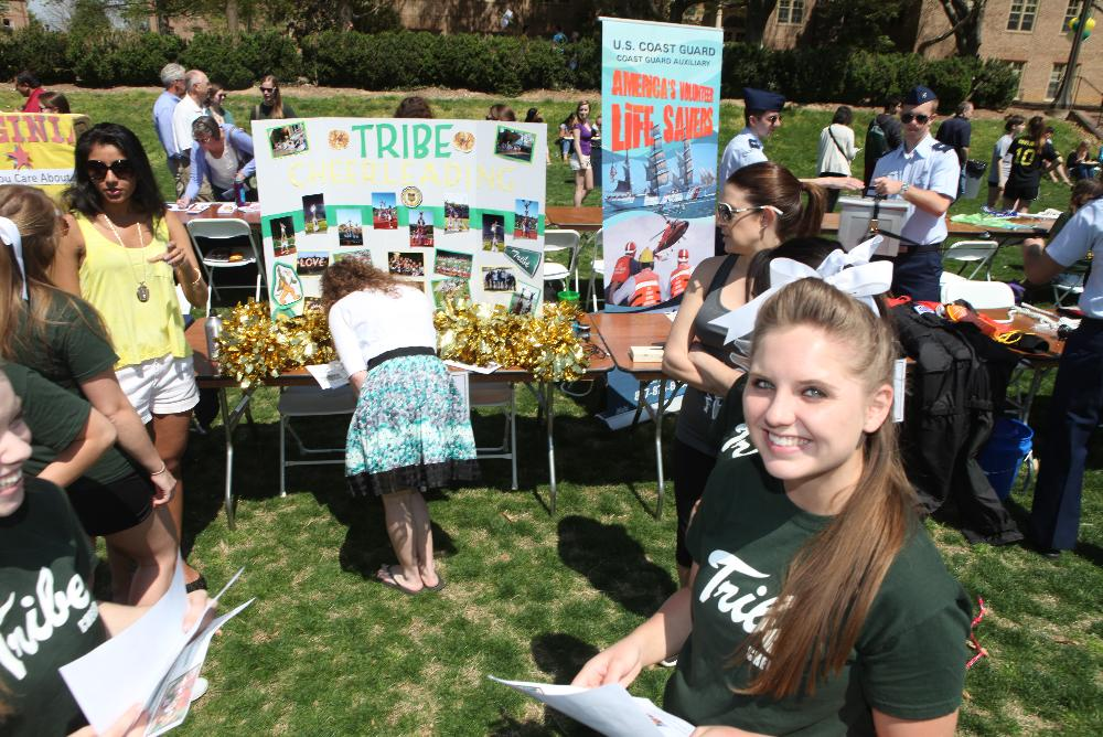 Students at an organizations fair