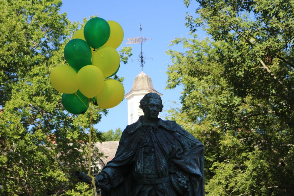 Lord Botetourt festooned with green & gold balloons