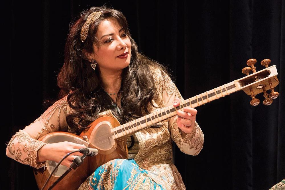 Sahba Motallebi and Naghmeh Farahmand - Music of Persia