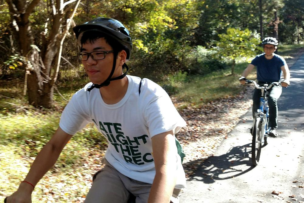 William & Mary Students Biking on the VA Capital Trail