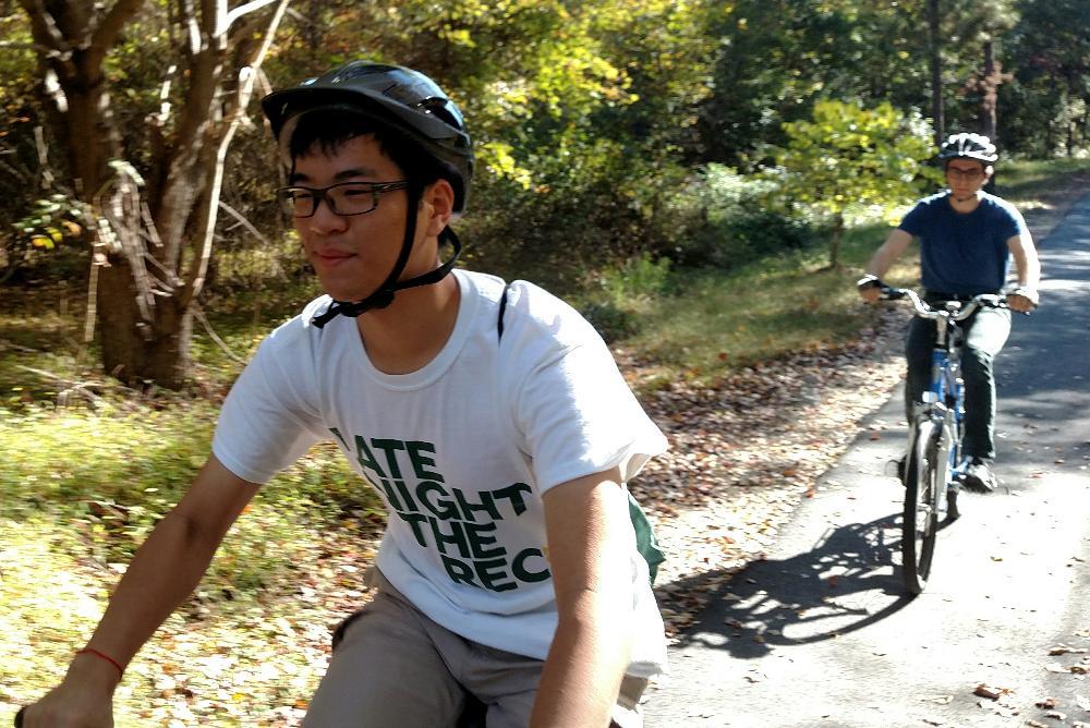 William & Mary Students Biking on the VA Capital Trail