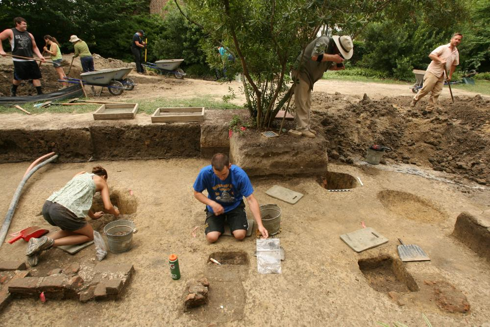 Bray School archaeology, Photo Credit: Stephen Salpukas/William & Mary