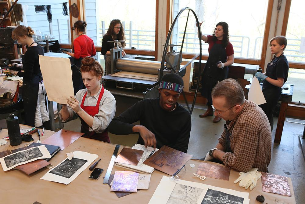 indoors, inside, people, students, matoaka art studio, print making, arts, faculty, windows